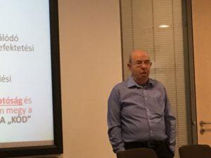dr. Gonda György, az EMVFE Oktatás-képzés szekció vezetője, az IBS Menedzsment tanszék vezetője