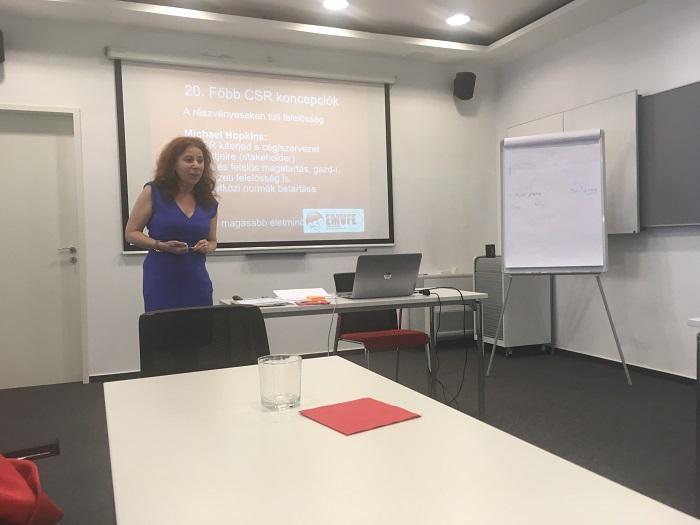 Takács Júlia, az EMVFE elnöke, a CSR Hungary ügyvezető igazgatója